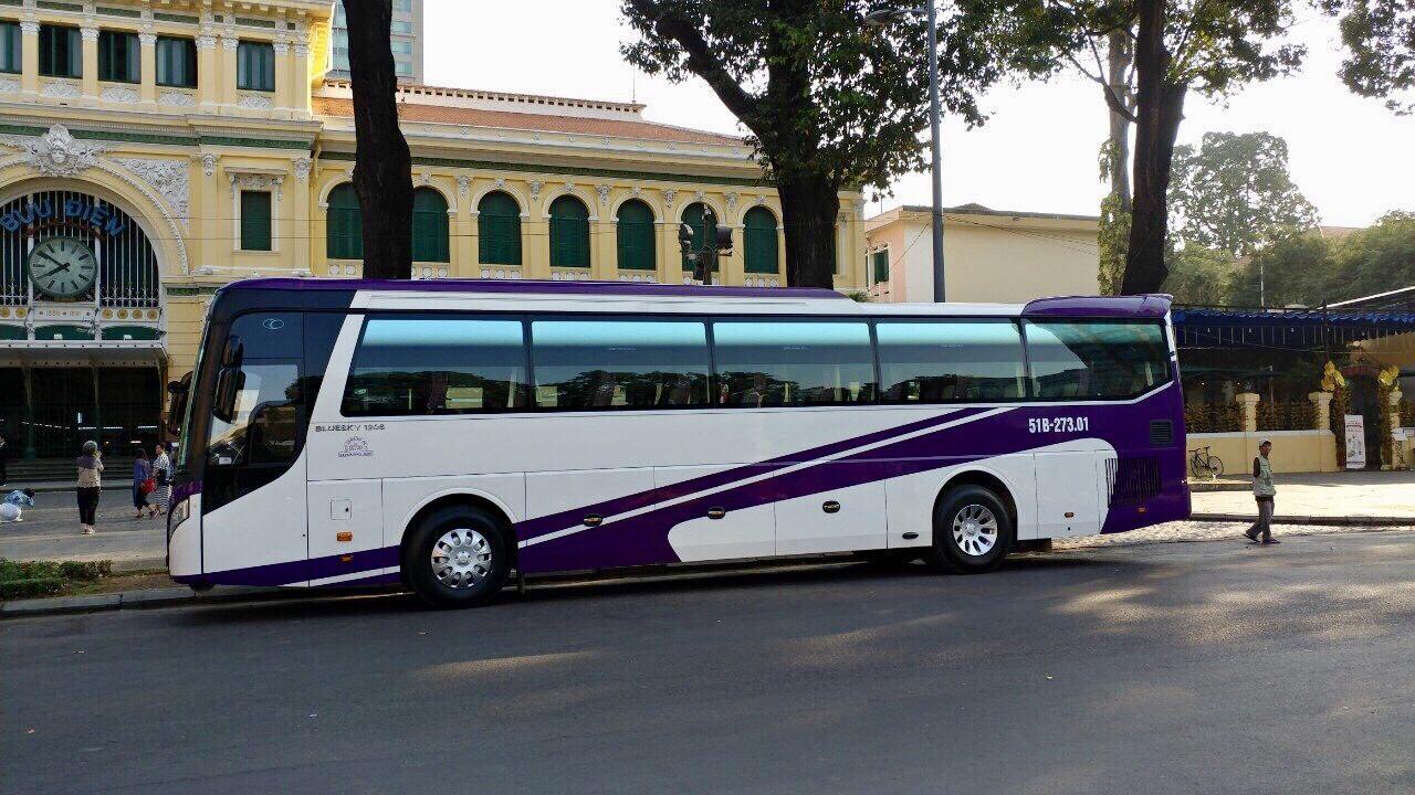 Cho thuê xe du lịch 45 chỗ đời mới Hyundai Universe tại tp Hcm